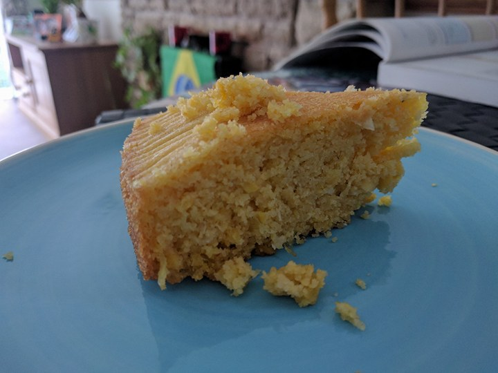 Healthified Brazilian vegan corn cake (Bolo de milho saudável evegano)